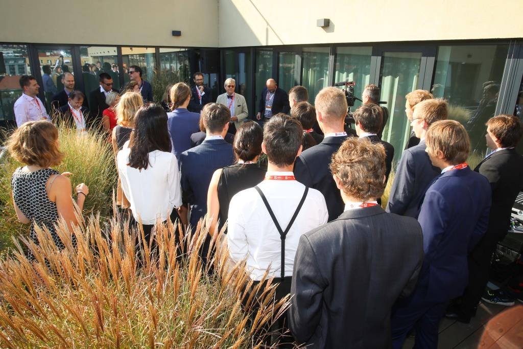 HML_6099_Hodnoticí komise Scholarship 2016 slavnostni zahajeni pohovoru.jpg