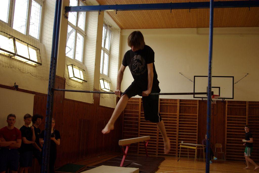 2013_gymnastika080
