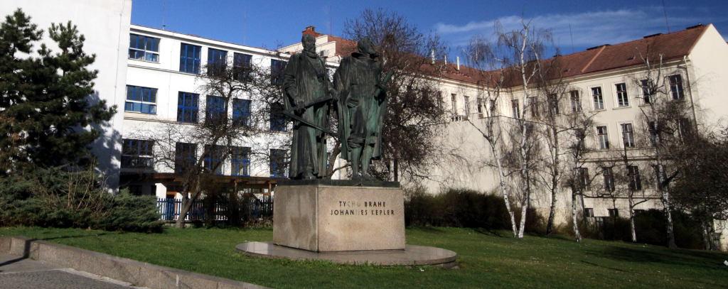 GJK sochy Jan Kepler a Tycho de Brahe
