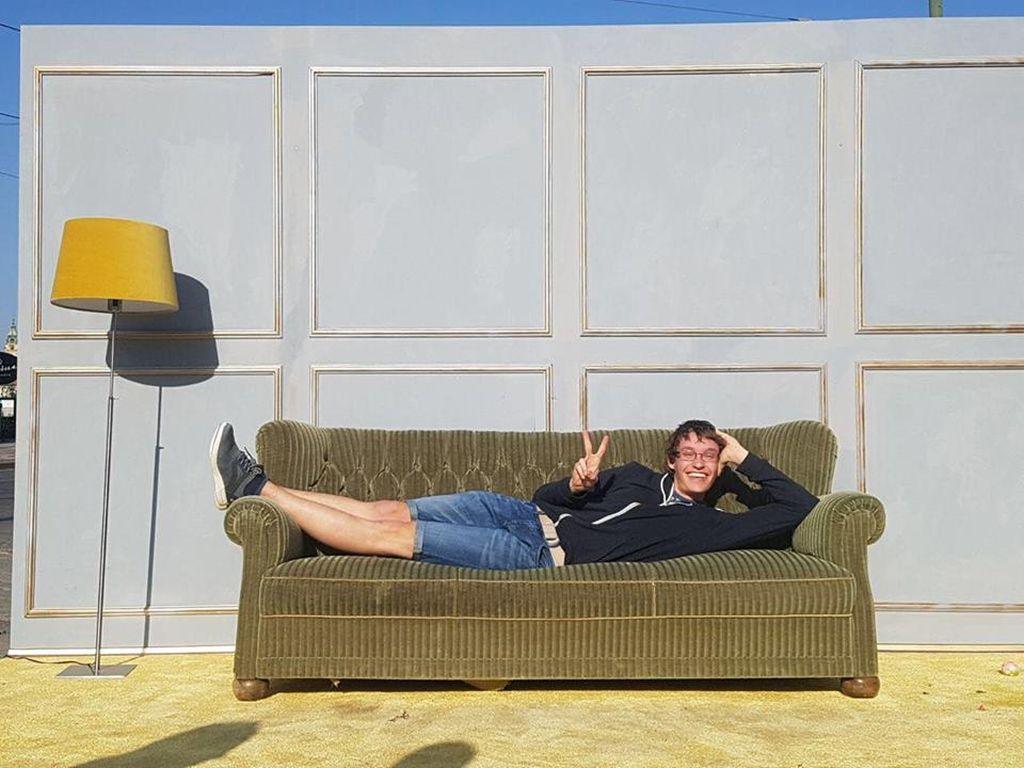 11 Sofa.jpg